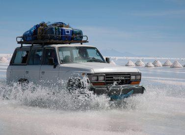 salar-de-uyuni-jeep-bolivia